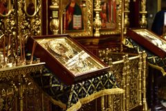 Dmitrov, Ρωσία - 10 Μαρτίου 2018 αρσενικό μοναστήρι Borisoglebsky iconsin προσευχής Στοκ φωτογραφία με δικαίωμα ελεύθερης χρήσης