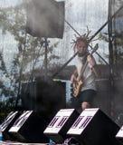 Dmitry Lisenko, bajista del ra letón del  de la banda de heavy metal MÄ fotos de archivo