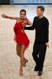 Dmitry Pugachev/阿纳斯塔西娅Balaeva -拉丁舞蹈演员 免版税库存照片