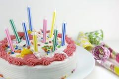 dmuchawa urodzinowy tort na przyjęcie Obrazy Stock