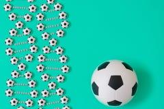 DNA ποδοσφαίρου στο μπλε υπόβαθρο ελεύθερη απεικόνιση δικαιώματος