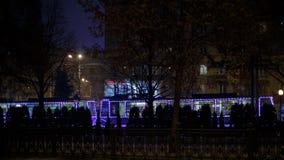 Dnepr, Ucrania - 1 de enero de 2017: Tranvía de la Navidad con l festivo Imagenes de archivo