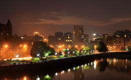 Dnepr, Ukraine, Ansicht der Stadt am Abend stockbilder