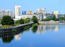 Dnepropetrovsk (Dnepr, Dnipro) Ucrania, por la mañana Foto de archivo libre de regalías