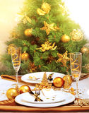 Dîner romantique de Christmastime Photographie stock libre de droits