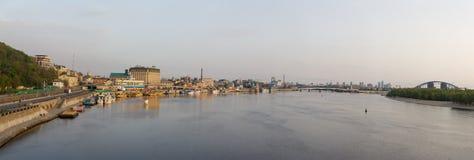 Dnieper堤防的看法在基辅 免版税库存图片