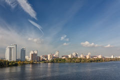 Dnieper河的视图在基辅,乌克兰 免版税图库摄影