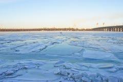 dnieper παγωμένος ποταμός Ουκρ& Στοκ φωτογραφία με δικαίωμα ελεύθερης χρήσης