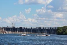 Dnieper水力发电的驻地在扎波罗热 免版税库存图片