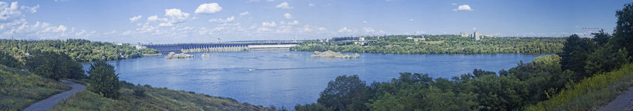 Dnieper水力发电的驻地的全景 免版税库存照片