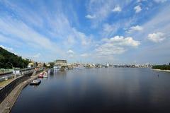 Dnieper flod i Kiev Royaltyfria Foton