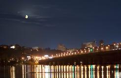 dnieper kiev tänder moonset över floden Arkivfoton