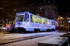 Dniepr, Ukraine - 1er janvier 2017 : Tram de Noël avec l de fête Photos libres de droits
