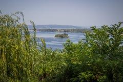 Dnipro rzeczny pobliski miasteczko Kaniv widoku Tarasova hora Zdjęcie Royalty Free