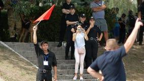 Dnipro, Ucrania 7 de agosto de 2018: Comience en las carreras de obstáculos en 3d que el campeonato nacional del nacional canino  almacen de metraje de vídeo
