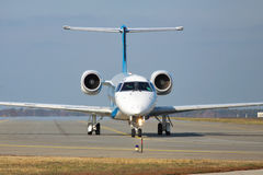 Dniproavia巴西航空工业公司ERJ-145 库存照片