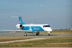 Dniproavia巴西航空工业公司ERJ-145 免版税库存照片