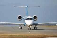 Dniproavia Embraer ERJ-145 Arkivfoton