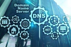 DNS Система доменных имён Связь сети сети Интернет и концепция цифровой технологии стоковые изображения