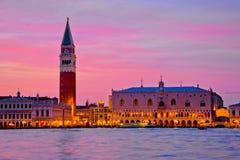 Doża pałac i St Mark dzwonnica w Wenecja zdjęcia stock