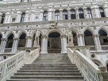 Doży ` s pałac - schody giganty obraz royalty free