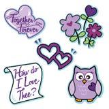 Do ícone roxo do amor do Valentim letra ajustada dos corações da coruja das flores Imagem de Stock