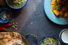 Do alimento vida indiana ainda na opinião superior do fundo escuro Imagens de Stock Royalty Free