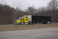 Do amarelo caminhão Semi fotografia de stock