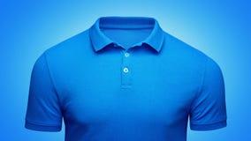 Do close up azul do conceito do polo do molde opinião dianteira Modelo do t-shirt do polo com espaço vazio no colar para seu tipo imagem de stock royalty free