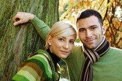 Do close up retrato fora de pares novos foto de stock