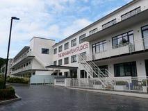 Do filme do laboratório apartamentos luxuosos anteriores agora em estúdios cinematográficos de Denham, uma construção de Art Deco fotos de stock