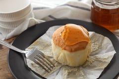 Do mel do bolo de queijo macio das pastelarias da sobremesa close up doce da vida ainda Imagem de Stock Royalty Free
