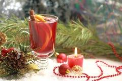 Do Natal vida ainda com vinho ferventado com especiarias Fotografia de Stock