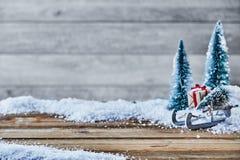 Do Natal vida ainda na neve com grande espaço da cópia Fotografia de Stock Royalty Free