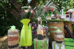 Do outono vida ainda das latas com sementes fotos de stock
