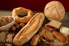 Do pão fundo de madeira escuro excedente vivo ainda Imagem de Stock Royalty Free