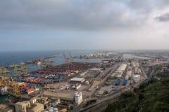 Do porto industrial da carga de Barcelona opinião aérea imagem de stock