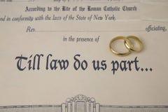 Do prawa robi my część świadectwo małżeństwo i pierścionki Fotografia Royalty Free