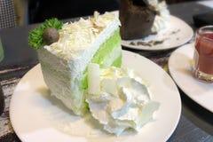 Do queijo branco do choc do bolo de coco chá verde imagem de stock royalty free
