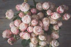 Do ramalhete cor-de-rosa das rosas do casamento estilo retro Imagem de Stock Royalty Free