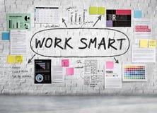 Do trabalho de Smart conceito do pensamento criativo eficazmente fotografia de stock