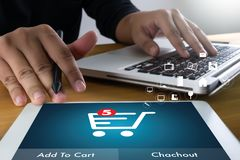 Do uso da tecnologia executivos do Internet Marketi global do comércio eletrónico fotografia de stock royalty free