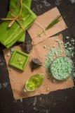 Do vintage dos termas vida verde ainda com sabão feito a mão Criticar severamente a configuração, vista superior Cartão no papel  Imagens de Stock Royalty Free