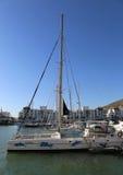 Do wynajęcia Catamaran czekanie dla klientów przy Marina Agadir Zdjęcie Stock