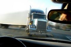 do zakończenia wypadku katastrofy semi ciężarówka ciągnika Zdjęcie Stock