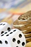 Dobbel en Geld Royalty-vrije Stock Afbeelding