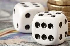 Dobbel en Geld Royalty-vrije Stock Fotografie