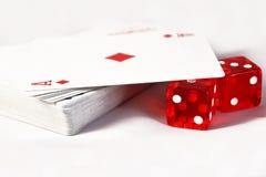 Dobbel met speelkaarten Royalty-vrije Stock Afbeelding