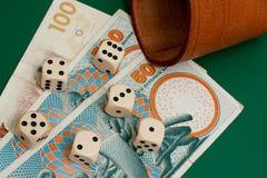 Dobbelt en geld Royalty-vrije Stock Afbeelding