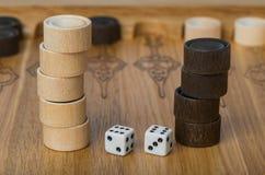 Dobbelt het backgammon speelgebied en royalty-vrije stock foto's